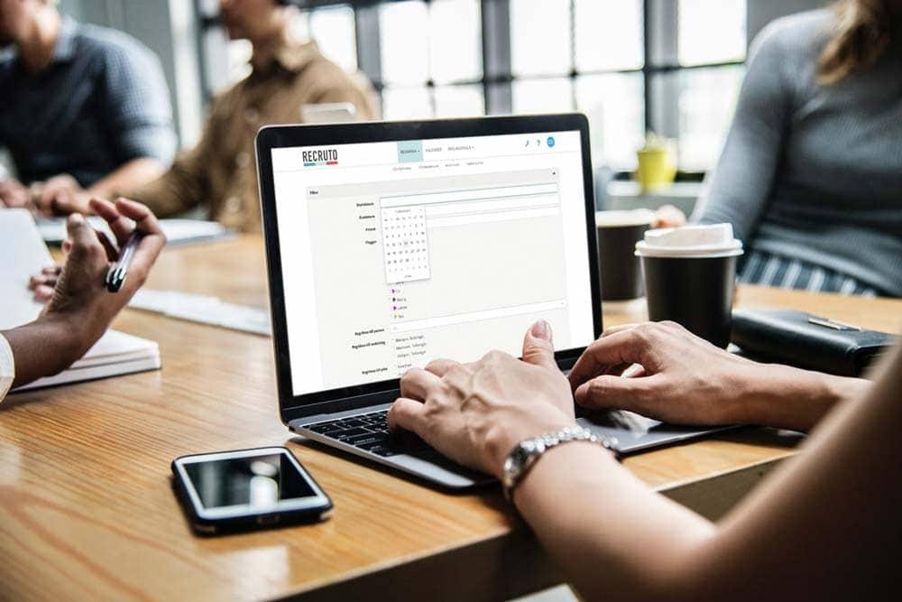 Bemanningsverktyg från Recruto på en laptop